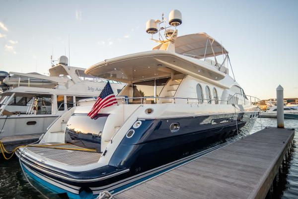 Viking Sport Cruisers SC72 Motor Yacht
