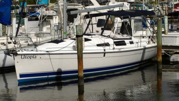 Hunter 33 Like New Cruiser