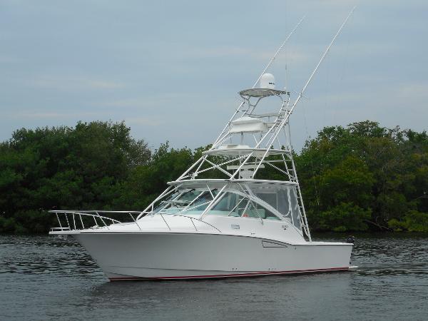 Cabo yachts 35 Express 35 Main Profile
