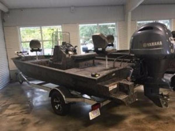 Xpress Boats SW20B