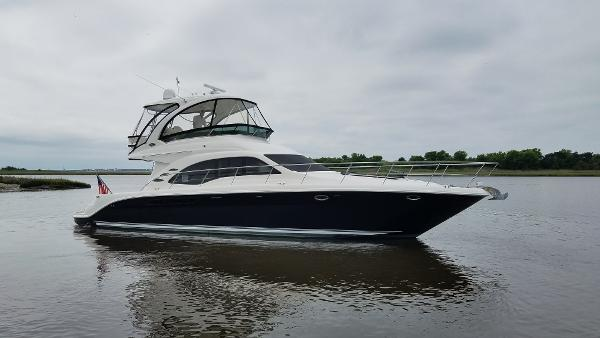 Sea Ray 52 Sedan Bridge Starboard Exterior Profile