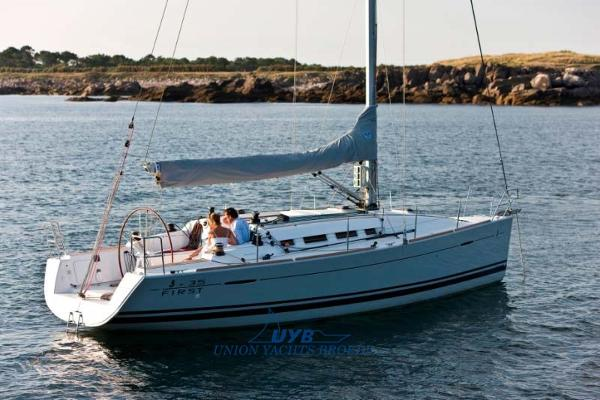 Beneteau First 35 catalogue image