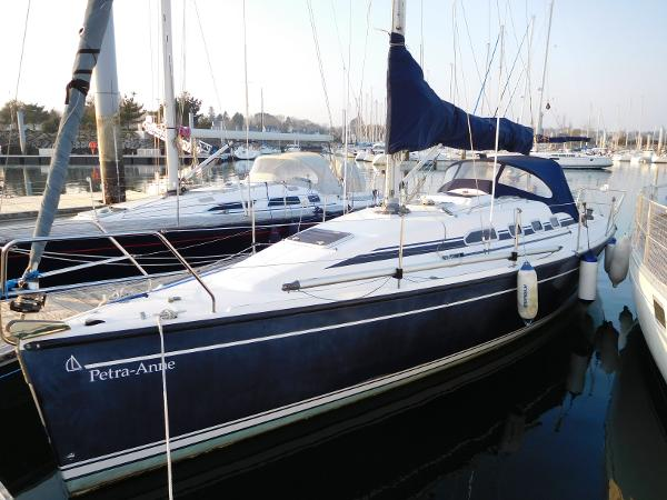 Dehler 34 Dehler 34 port side