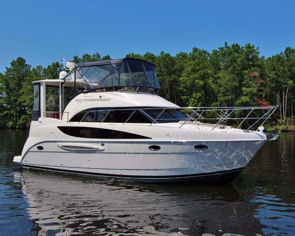"""Meridian """"368""""  Diesel Motor Yacht ROSINKA"""