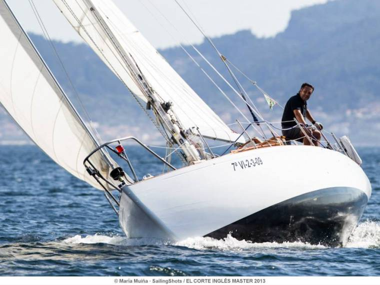 Clare Lallows  Cowes Clasico madera Jolina 35