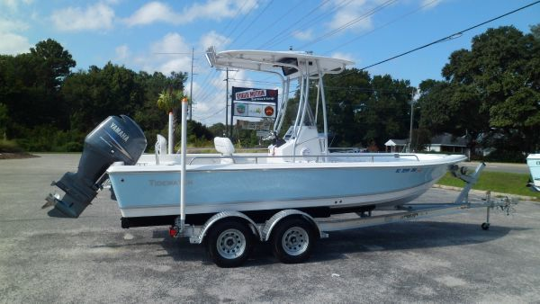 Tidewater 2100 Bay Max Starboard on trailer