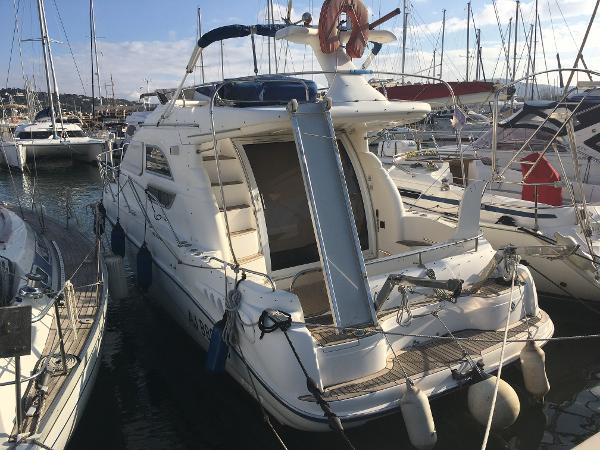 Sealine F33 Flybridge Sealine F33 Flybridge