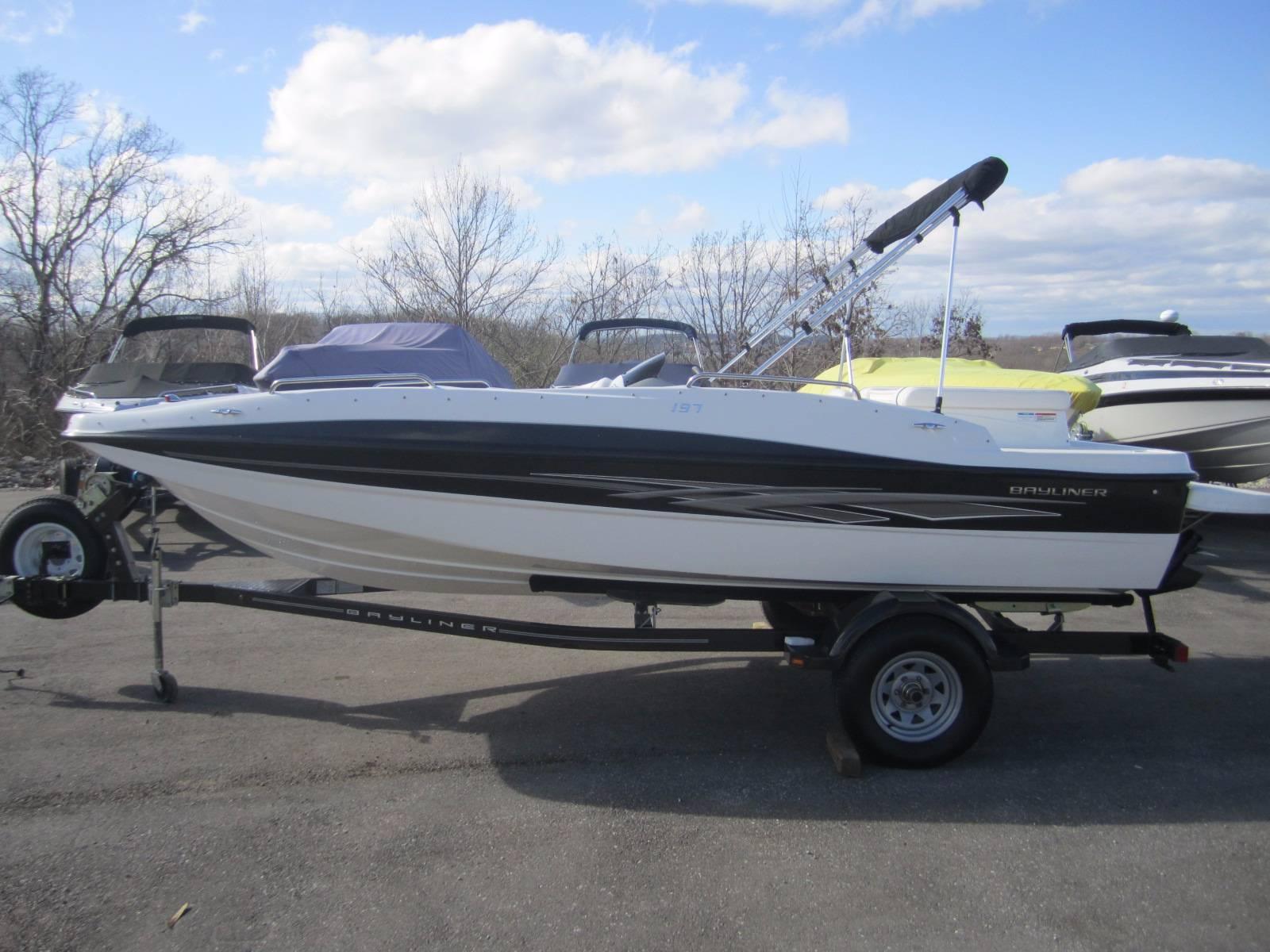 Bayliner 197 Deck Boat