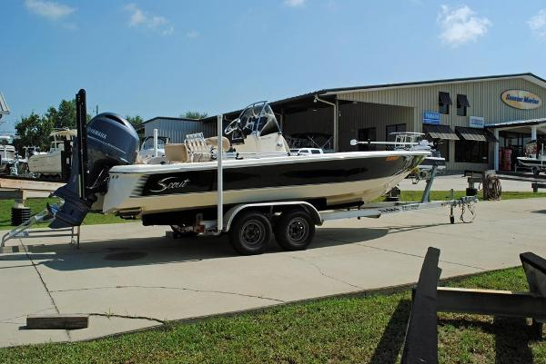 Scout 221 Winyah 2012 Scout 221 Winyah- hull view