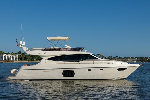Ferretti Yachts 530 STBD profile