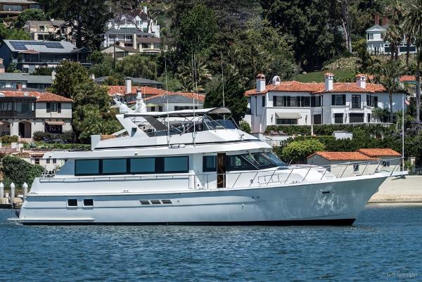 Hatteras Motoryacht Loveliest Ladies