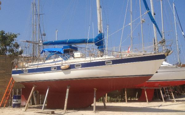 Hallberg-Rassy 352 Used Hallberg Rassy 352 for sale in Greece