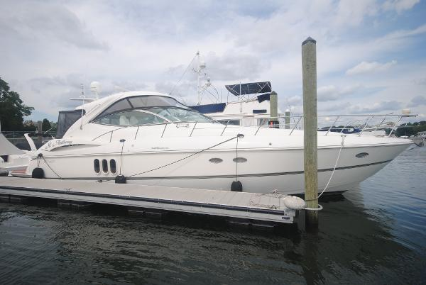 Cruisers Yachts 520 Express Starboard