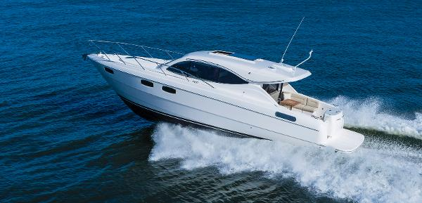 Maritimo C43 Sports Yacht Running Shot