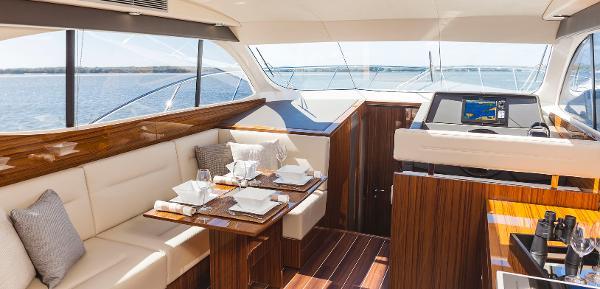Maritimo C43 Sports Yacht Interior