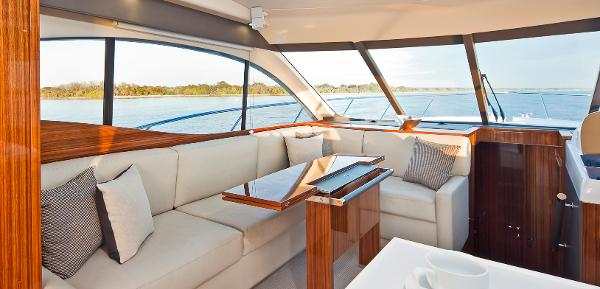 Maritimo C50 Sports Yacht Saloon