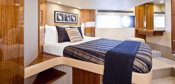 Maritimo C50 Sports Yacht Cabin