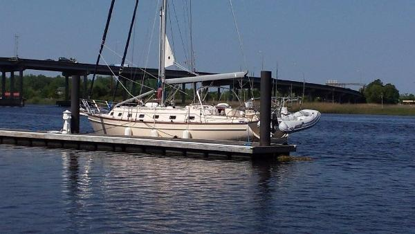 Island Packet 420 Aurora on the Cape Fear River