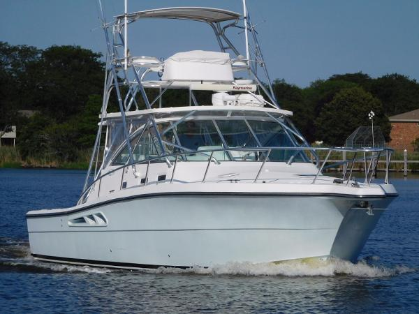Rampage 38 Express bow view