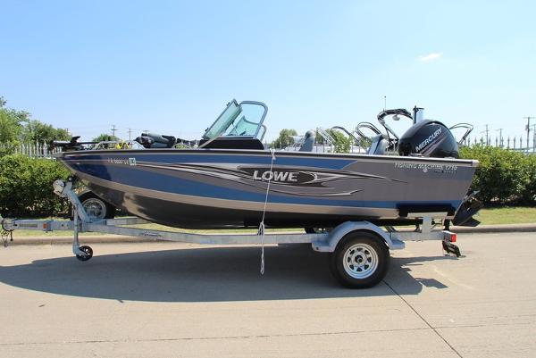 Lowe Fishing Machine FM 1710 Pro SC