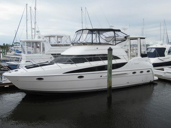 Meridian 408 Motoryacht Exterior profile 2