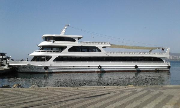 Commercial Passenger Dinner Cruise