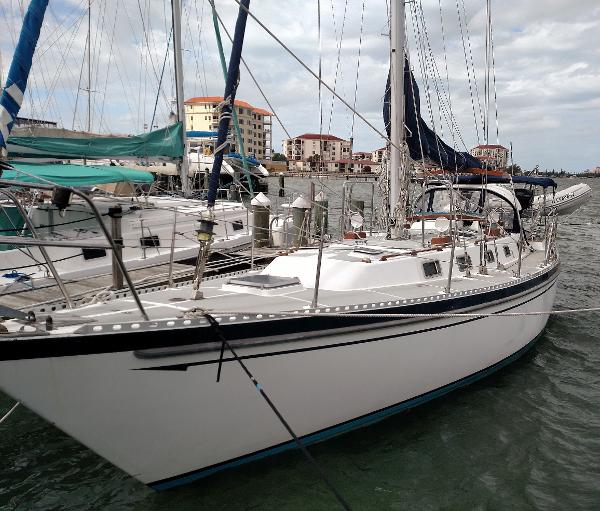 Tayana Vancouver 42 '86 Tayana Vancouver 42 aft cockpit Lulabelle