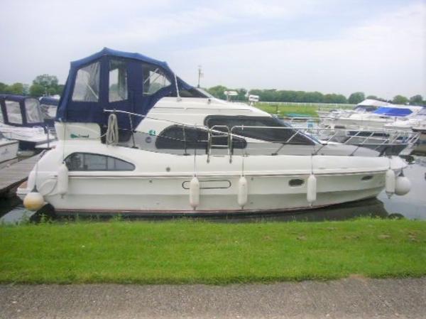 Birchwood Crusader 340 AC Birchwood Crusader 340 AC Racecourse Marina Tingdene Boat Sales Ltd