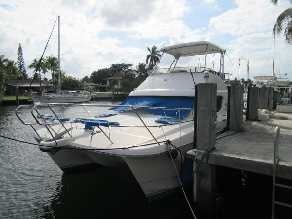 Voyager V 1040 Flybridge