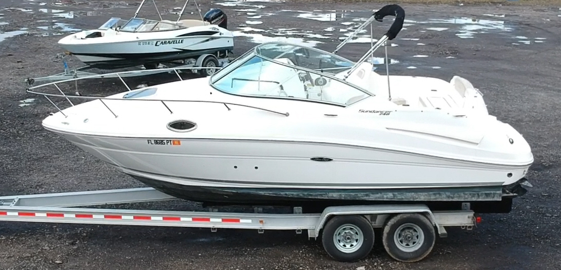 Sea Ray 240 Sundancer Boat