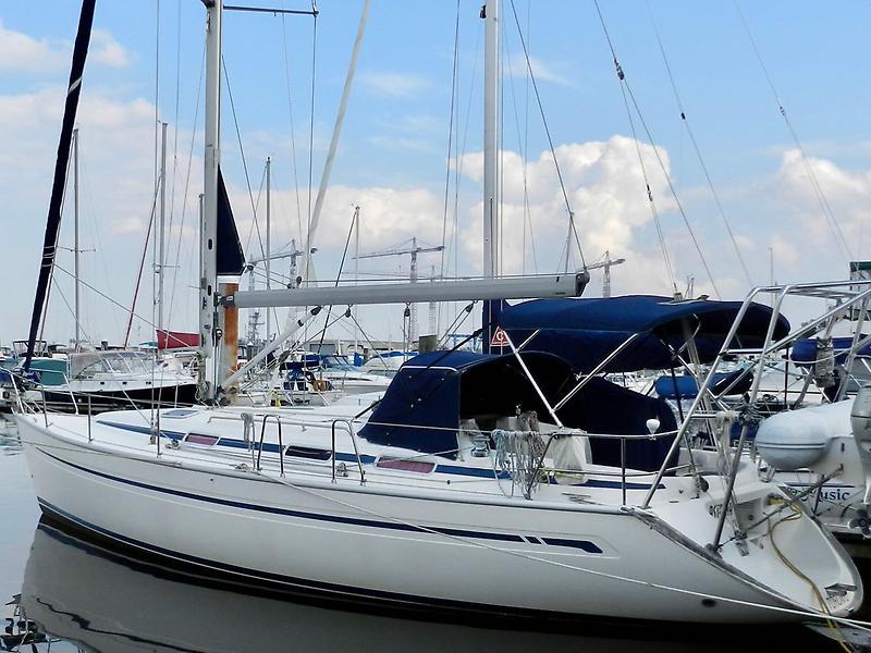 Bavaria 38 Cruiser Bavaria 38 Cruiser  Exterior