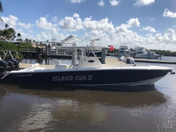 Island Runner 35 CC
