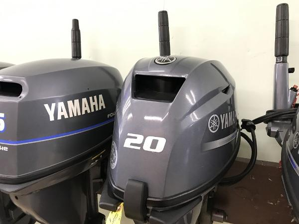 Yamaha Outboards F20