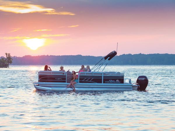 Sun Tracker Party Barge® 22 RF DLX