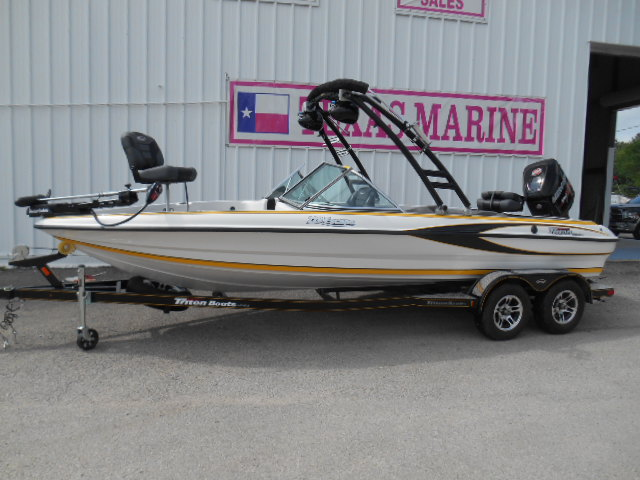 Triton Fish & Ski 220 Escape