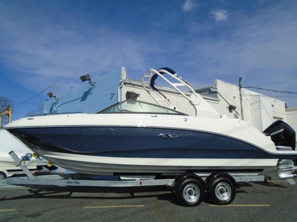 Sea Ray 250 SDO Special Blue Metallic