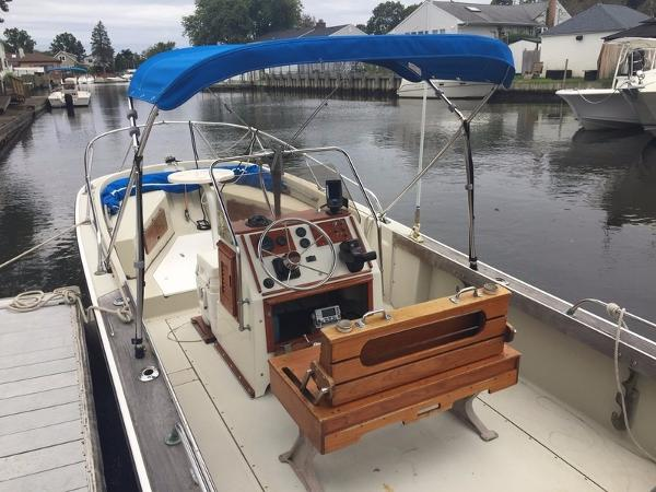 Boston Whaler Walkaround