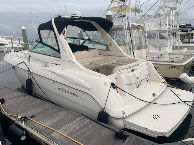 Monterey 322 Cruiser Profile
