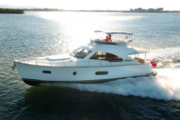 Belize Riviera 54 Daybridge-IN STOCK Running Shot