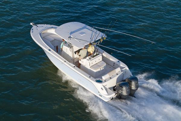 Robalo R300 Center Console 2016 Manufacturer Provided Image