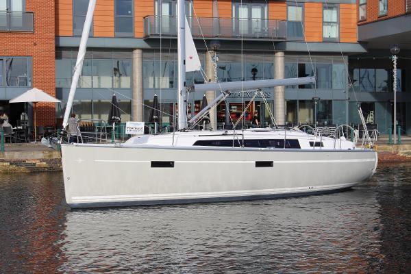Bavaria Cruiser 37 Bavaria 37 Cruiser