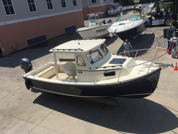 Eastern Boats SISU 22 Hardtop