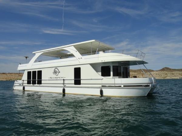 Desert Shore Yachts 18' X 70' Houseboat