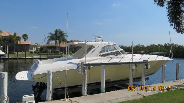 Fountain 48 Express Cruiser Starboard Hull side
