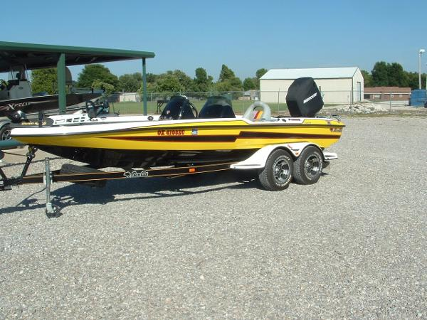 Bass Cat Boats PUMA ADV. ELITE