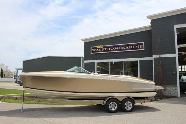 Chris-Craft Capri 25 Full boat on trailer