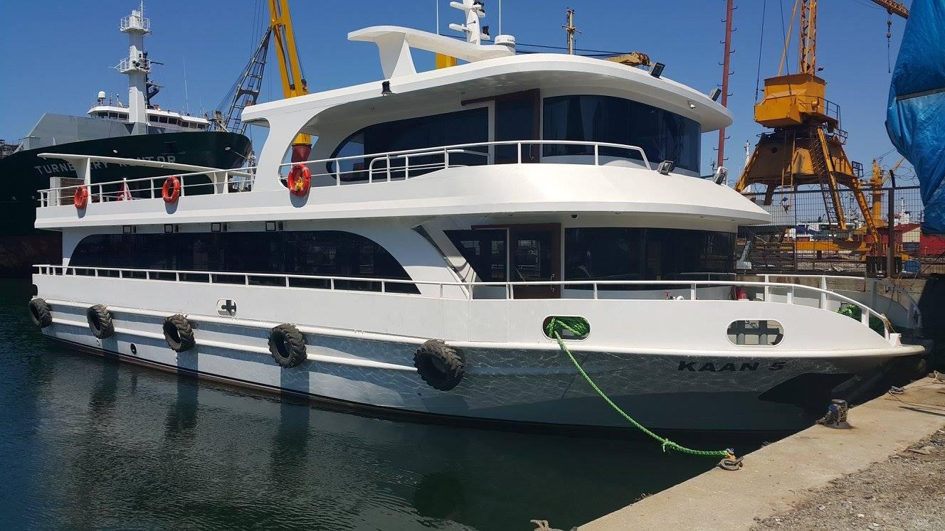 Interboat passenger