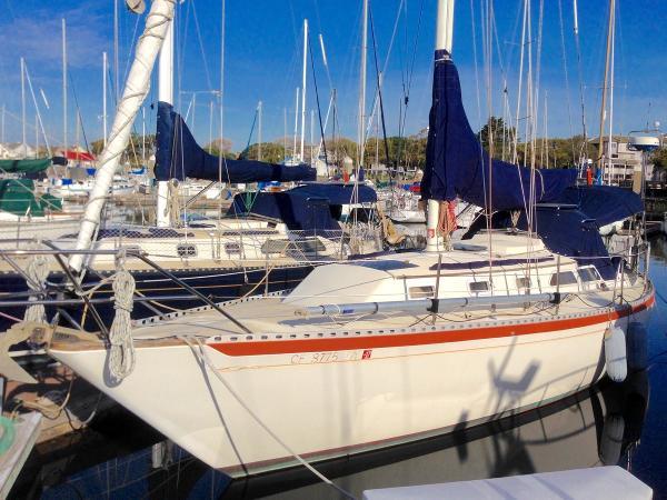 Islander Yachts 36 WOODBINE