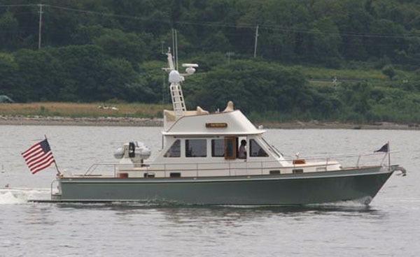 Snug Harbor Custom 50 Jet boat profile underway