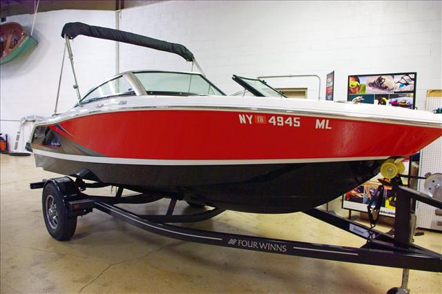 Four Winns H180 Bow Rider